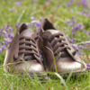 Kép 2/5 - GITA bohemian MÁRVÁNYOS BARNA kézműves bőr cipő