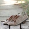 Kép 4/4 - GITA bohemian HOMOK kézműves bőr cipő