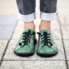 Kép 1/3 - GITA bohemian ZÖLD VIRÁGOS kézműves bőr cipő
