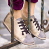 Kép 1/2 - GITA bohemian KÉTSZÍNŰ HOMOK kézműves bőr cipő