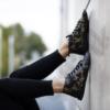 Kép 1/4 - GITA boots FEKETE VIRÁGOS kézműves bőr cipő