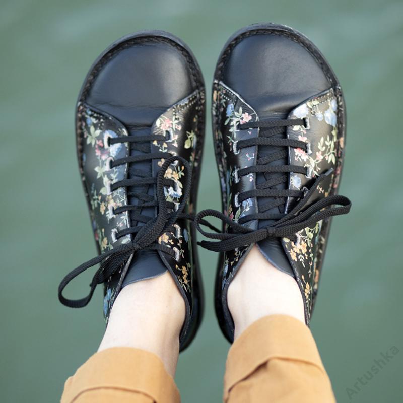 GITA bohemian FEKETE VIRÁGOS kézműves bőr cipő