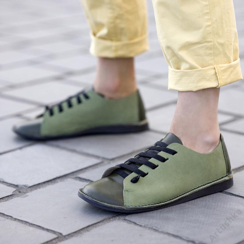 GITA bohemian KÉTSZÍNŰ OLÍVA kézműves bőr cipő