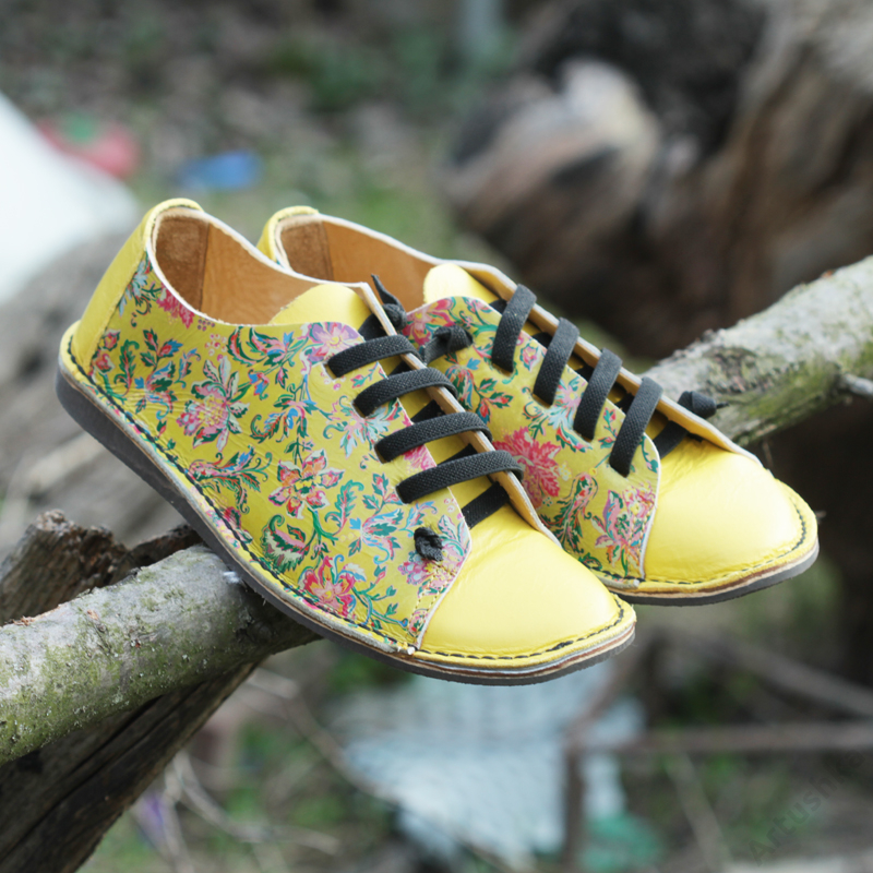 GITA bohemian SÁRGA VIRÁGOS kézműves bőr cipő