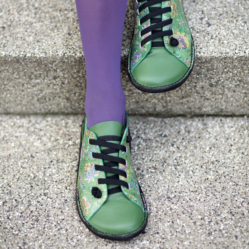 GITA bohemian ZÖLD VIRÁGOS kézműves bőr cipő