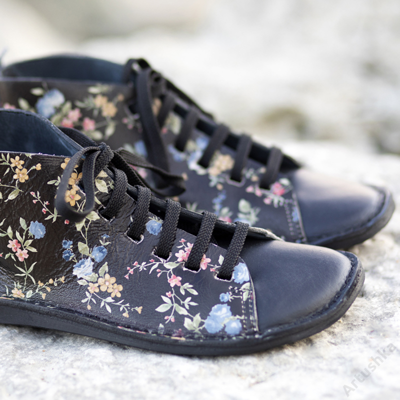 GITA boots FEKETE VIRÁGOS kézműves bőr cipő